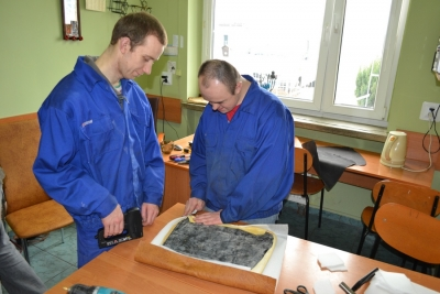 Uczestnicy pracowni metaloplastyki podczas zajęć 14